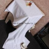 ホテルのための100%年の綿450GSM 32s/2の白く明白な浴室タオル
