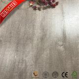 Plancher gris de stratifié d'escompte de chêne
