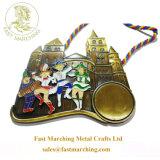 カスタム賞によって切り分けられる円形浮彫りのダンスはPaypalの金属のフィニッシャーメダルを受け入れる