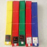 多彩な武道ベルトTaekwondoはカスタム空手ベルトにベルトを付ける