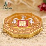 Estampage de la pièce de monnaie faite sur commande molle en laiton d'enjeu de tisonnier d'Ename avec le logo gravé en relief