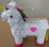Pinata blanco y rosado del papel del unicornio del diseño del corazón