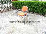 Presidenza accatastabile esterna dell'hotel della presidenza di Morden della presidenza di vimini del giardino della mobilia (YTA215)