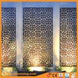 As esculturas decorativas de porta paralela de jardim de chapa de metal de instrumentos