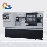CNC de Draaibank die van de Machine met de Voeder van de Staaf voor Metaal Ck6140 draait
