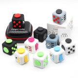 Il cubo magico di sforzo dei giocattoli del cubo di puzzle dei giocattoli di irrequietezza del mitigatore di sforzo di divertimento di compressione dei giocattoli del cubo di irrequietezza viene con la rotella di sforzo della casella