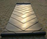 スライドを減らす袋に入れられた材料のための開いたVシェブロンのゴム製コンベヤーベルト