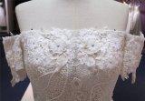 を離れて肩のレースの床の長さのウェディングドレスの花嫁衣装(Q90317)