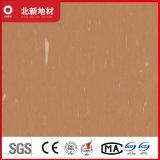 暗いコーヒービニールのタイル張りの床2mm Nmv37