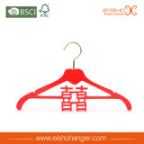 O vestido de casamento vermelho de China veste o gancho de madeira do terno (WRS00001)