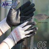 En pointillé en nitrile Nmsafety antidérapante gant de travail à la main