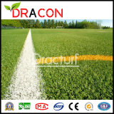 Искусственных травяных прочного футбола лужайке