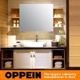 Kabinetten van de Badkamers van pvc van het Ontwerp Louvered van Oppein de Moderne Houten (OP15-072A)