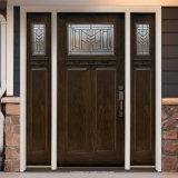 Haut courbée en bois massif à l'extérieur de porte d'entrée avec feu de position avant