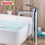 Faucet крана воды самомоднейшей конструкции латунный от сразу изготовления