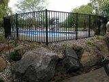 Recinzione della piscina della parte superiore piana