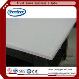 熱い販売の白いTegular研がれたガラス繊維の音響の天井板600*1200