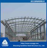 Стальная конструкция рамы используется в сегменте панельного домостроения в доме или на складе