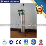 A linha da entrada coneta o regulador médico do oxigênio da válvula Cga540