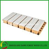 健全な絶縁体の木の溝がある音響パネルの音の証拠MDFのボード