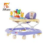 Caminhante azul do bebê da cor com rodas do giro