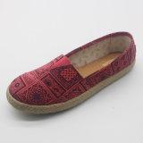 Classic Hot Sale costume chaussures en toile Comfortal majeur pour les jeunes Lady