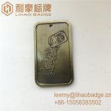 Distintivo d'ottone antico su ordinazione della modifica di Delo del robot del metallo della fabbrica
