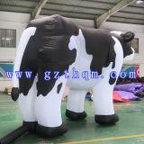 Dessin animé gonflable de grand modèle de laiterie