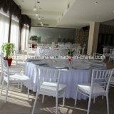 Impilamento della presidenza di Chiavari di banchetto di cerimonia nuziale del ristorante dell'hotel della resina di plastica con l'ammortizzatore