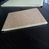 Panneaux de mur composés en plastique en bois réutilisés