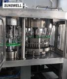 Машина завалки автоматической минеральной вода разливая по бутылкам