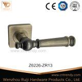 特別な亜鉛合金のハードウェアの内部ドアのレバーハンドル(Z6218-ZR13)