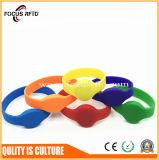 China-QualitätslieferantRFID Wristband-Marke Lf/Hf/UHF und Doppelchip