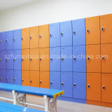 Casier central de gymnastique de golf de Gym&Fitness pour le vestiaire