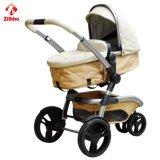 Dreirädriger Kinderwagen mit Carrycot