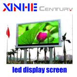 Im Freien Videodarstellung der im Freienbekanntmachenfarbenreichen Ventilations-P10 Bekanntmachensled