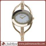 方法水晶ブレスレットの腕時計、女性のための銀製の楕円形の服の腕時計
