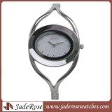 Het Horloge van de Armband van het Kwarts van de manier, verzilvert de Ovale Polshorloges van de Kleding voor Dame
