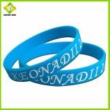 Customized amostra grátis Cool Sports pulseiras de silicone de Borracha