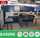Машина башенки CNC T30 пробивая для обрабатывать металлического листа Индии