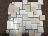 Mosaico de mármol beige y blanco