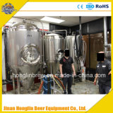 Equipamento comercial 2000L da cervejaria da cerveja com o fermentador completo da cerveja
