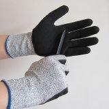 TPRの反振動を用いる抵抗力があるMechanix作業手袋を切りなさい