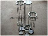 La polvere industriale raccoglie il sacchetto filtro con la gabbia del filtro a sacco