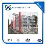 De gebogen Omheining van het Netwerk van de Draad van de Driehoek Kromming Gelaste (hete verkoop & fabrieksprijs)