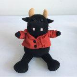 Jouet mou de peluche de vache à bétail noirs de dessin animé de peluche de coton de la CE pp