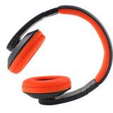 Sopra Bluetooth stereo dell'orecchio la cuffia ha costruito il Mic per la chiamata