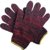 Вязаные рукавицы работы хлопка