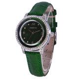 Jadeit-grüne Metalluhr mit einigen Diamanten auf Anzeigetafel