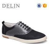 Los hombres el diseñador de zapatos casuales cómodas
